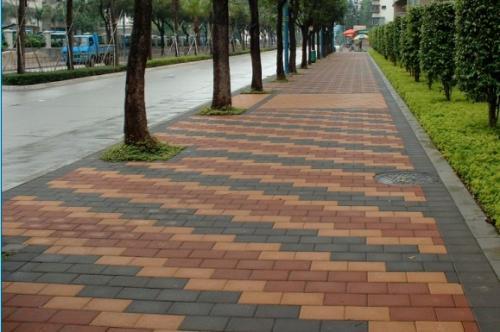 人行道砖湿铺与干铺有哪些不同